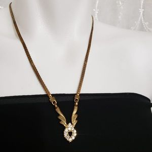 Jewelry - Gold-Brass Tone Vintage Crystal Pendant Necklace